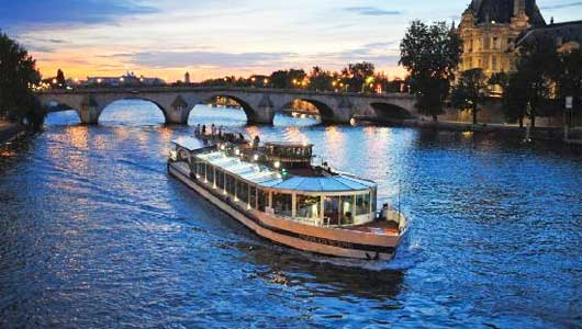 dinner cruise bateaux parisiens by bus. Black Bedroom Furniture Sets. Home Design Ideas